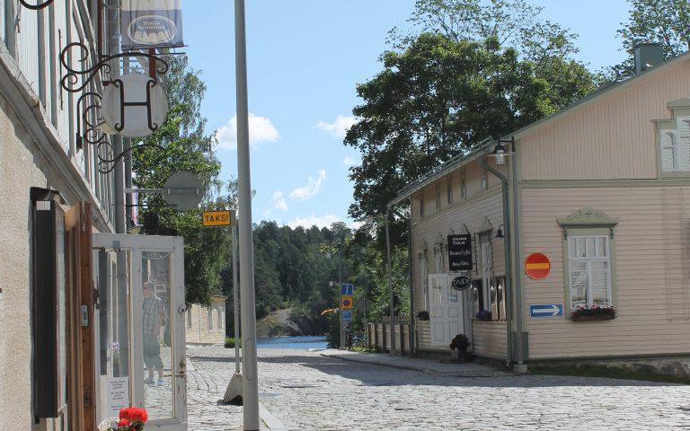 Savonlinnan oppaiden opastetut kaupunkikierrokset