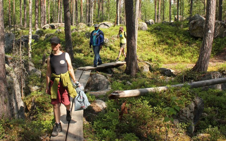 Nahkiaissalo nature trail in Kolovesi National park 3,3 km