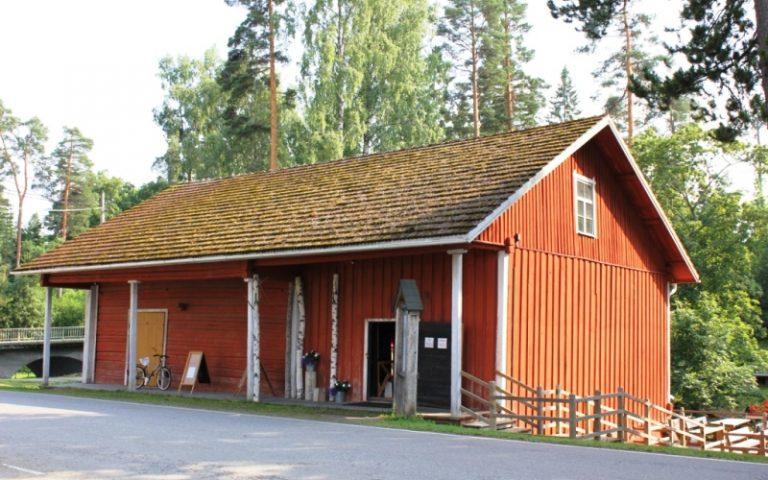 Kolovesi Nature Information Hut