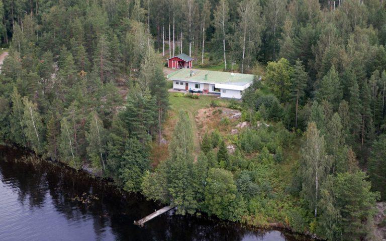 NorppaTorppa full size house near Lake Saimaa shore