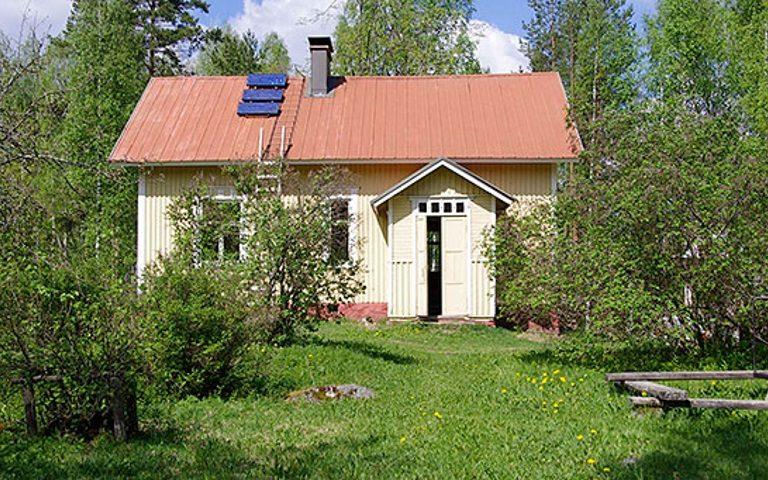 Huhtiniemen talo, lammaspaimentila Koloveden kansallispuistossa