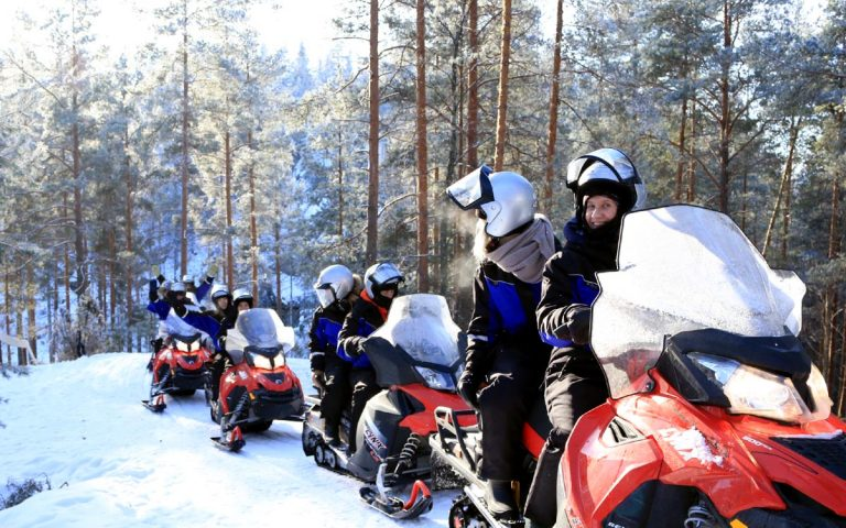 Snowmobile safari 1,5h