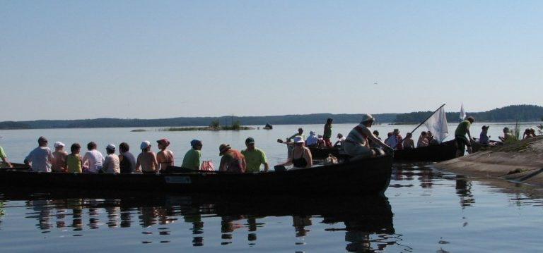 Kirkkovenesoutua Savonlinnan vesillä