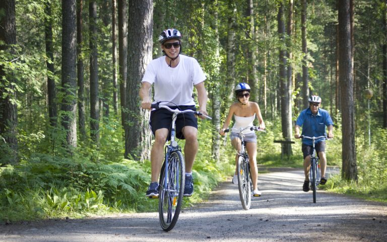 Retki Puulajipuistoon ja Karjalankallion laavulle pyöräillen