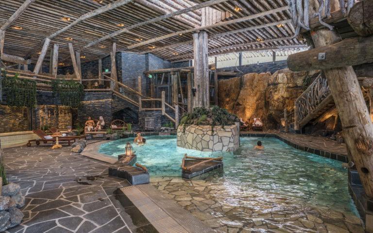 Kylpyläloma rinnehuvilassa   Hotel & Spa Resort Järvisydän